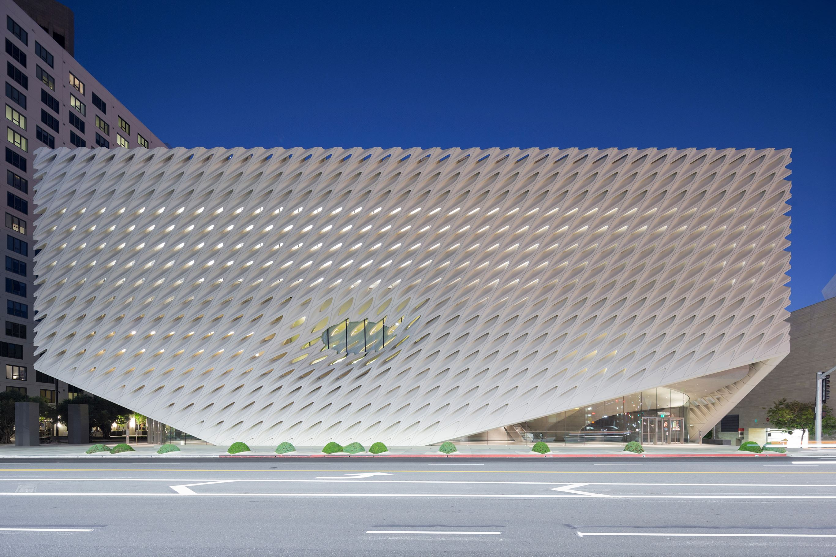 Broad Museum | Destinations and Events | Metrolink